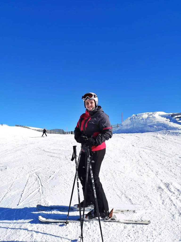 back skiing